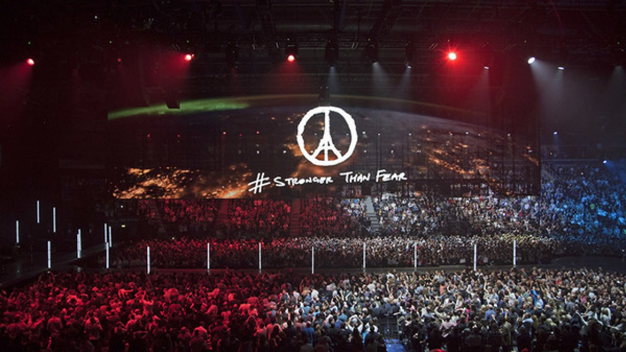 """U2 """"OUR BEST FOR PARIS"""" NEW SHOW DATES"""