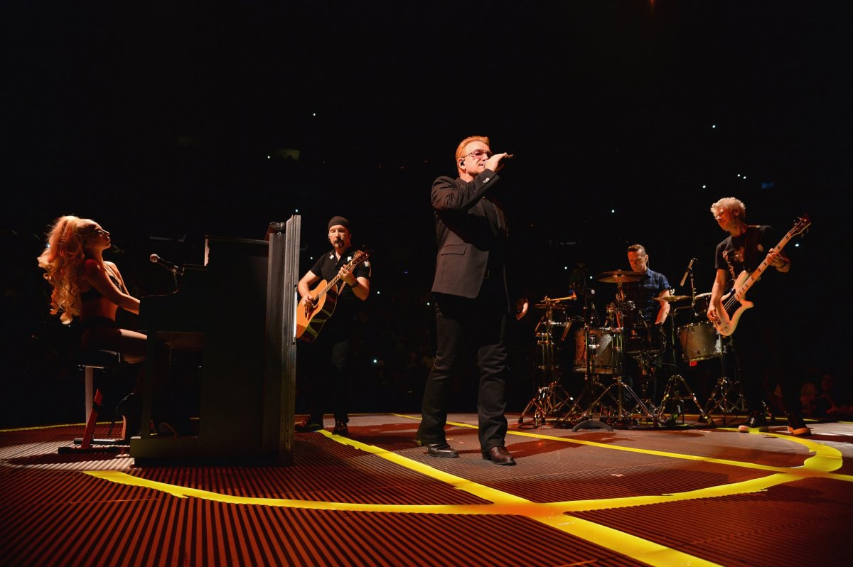 U2 iNNOCENCE + eXPERIENCE LIVE IN PARIS CONCERT SPECIAL - News